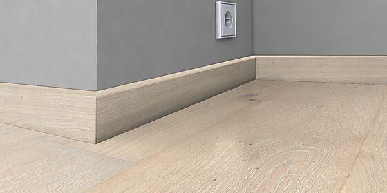 Gulvlist Blonde finert 16x60x2400 mm eik