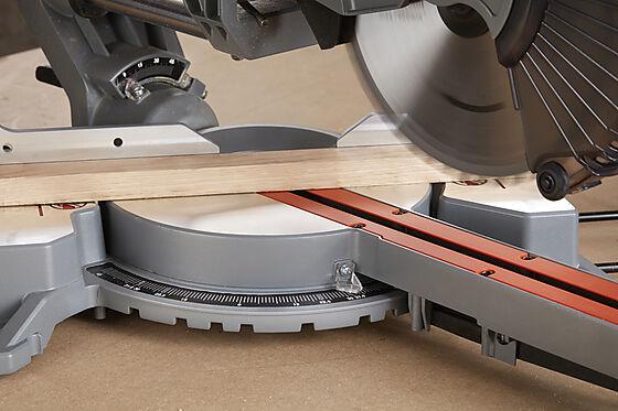 Kapp- og gjærsag BES700-QS 1600W 216 mm